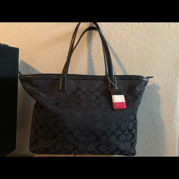 486f3c3d4766 Coach Handbags - Used Large Coach Black Signature Tote
